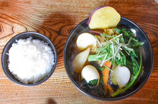 Soup Curry with Seasonal Vegetables -Okushiba Shoten Head Office in Sapporo-