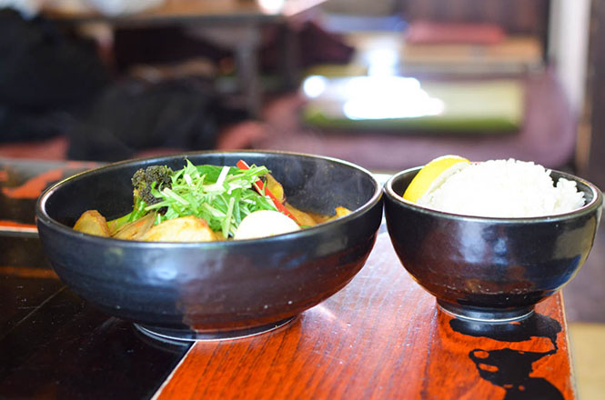 Soup Curry with Special Selection of Vegetables and Tender Chicken, Okushiba Shouten