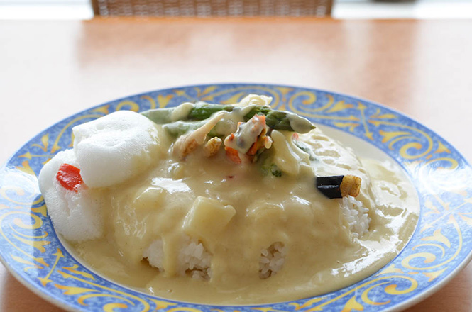 Okhotsk Monbetsu White Curry and Rice -Okhotsk Palace in Monbetsu-