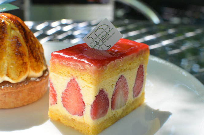 Enchante and Chiboust -Peche Mignon in Hakodate-