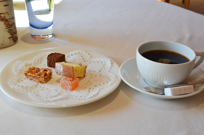 French Cuisine -Maccarina in Makkari- Drink and Confectionery