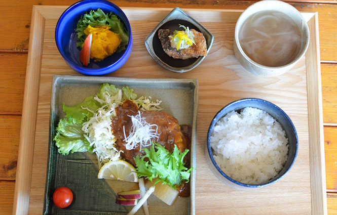 Sticky Rice Hamburg Steak -Tamasaburo in Nayoro-