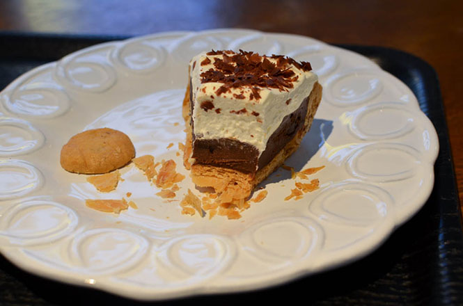 Cream Chocolate Pie -Collet in Sapporo-