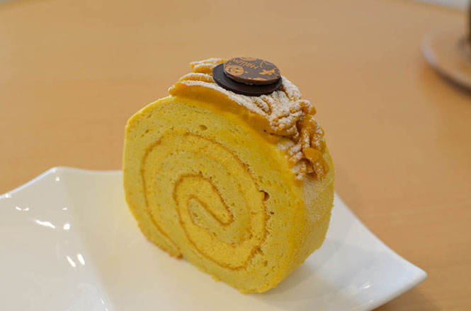 Mont Blanc Cake and Pumpkin Swiss Roll -Patisserie SHIIYA in Sapporo-