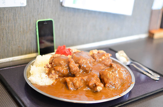 Extremely Large Portion of Curry and Rice with Fried Chickens -Miraitei in Iwamizawa-