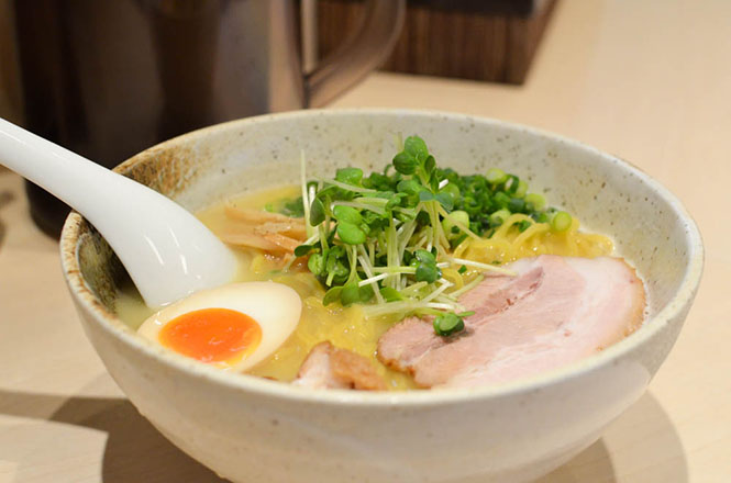 Salt Broth Ramen -Keserasera in Sapporo-