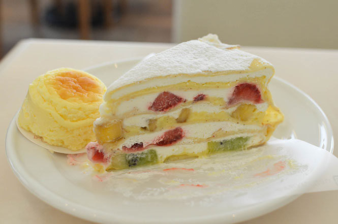 Cheese-Omelette and Mille Crepes -Pastry Snaffles in Hakodate-