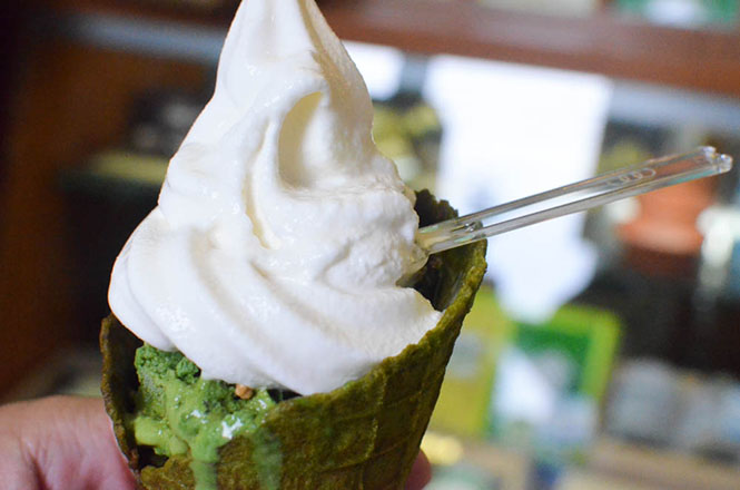 Yukimoe-Parfait with Deluxe Powdered Green Tea Waffle Cone -Gyokusuien in Sapporo-