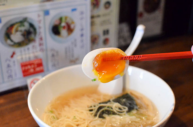Salt Broth Ramen with Soup Made from Hinai Native Chickenn -Hareruya in Sapporo-