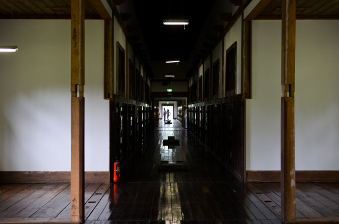 Retoro Buildings and Weird Wax Dolls Excite Our Curiosity -Abashiri Prison Mu...