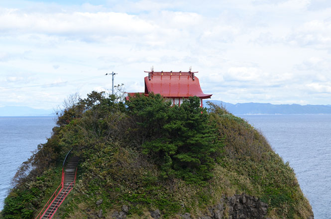Miyazubentengu Shrine in Okushiri Island