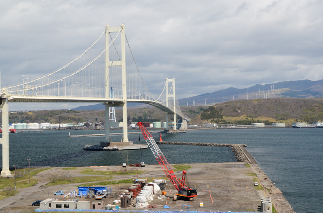 Hakucho-Ohashi Observation Deck in Muroran] Hakucho Bridge Is Very